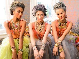 Lulu Frost'un renkli tasarımları artık Lidyana'da !