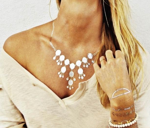 Mücevherlere yeni rakip: Metalik dövmeler 1