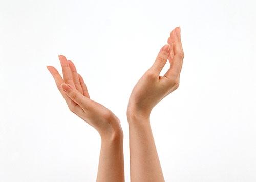 Eller yaşınızı ele veriyor, 11 adımda el bakımı 1