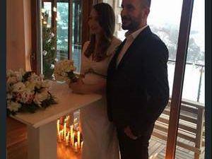 Burcu Kutluk evlendi