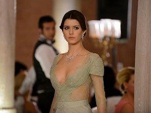 Türk dizilerinin en seksi kadın karakterleri
