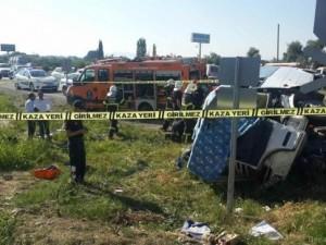 Öğrenci servisi kaza yaptı: Ölü ve yaralılar var