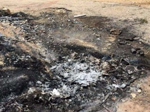 PKK'lılar muhtarı infaz edip ateşe vermiş !