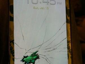 Telefonunuzun ekranı çatladıysa hemen bunu yapın!