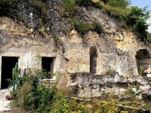 1 Euro'ya mağara aldılar sadece 12 ayda yaptıklarına bakın!