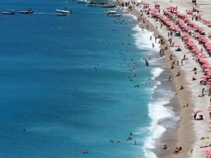 Tatilciler Fethiye'ye akın etti