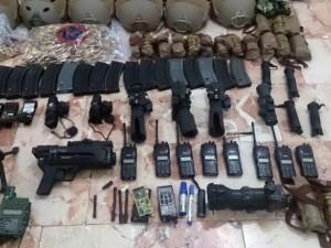 Darbeci askerlerin silahları ele geçirildi