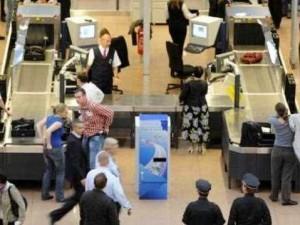 Mermi-Bomba-Füze-Para ve daha niceleri! Havalimanı güvenliğine yakalandı