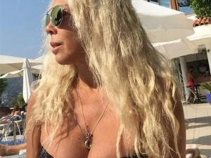 Semiha Yankı'dan bikinili paylaşım