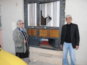 Eskişehir'de baltalı dehşet ! Mahalle ayağa kalktı