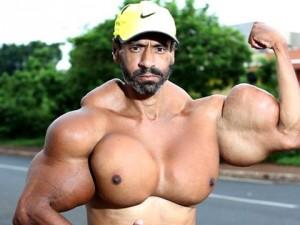 Hulk'a benzemek için canını hiçe sayıyor !
