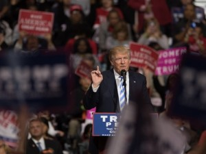 Porno yıldızından Trump iddiası
