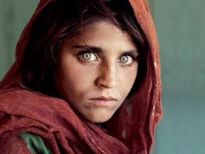 Dünyaca ünlü ''Afgan kızı'' tutuklandı