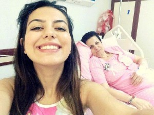 Annesinin taburcu olduğu gün kanser olduğunu öğrendi