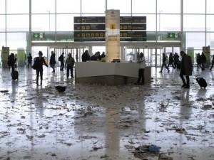 Havalimanı çöplüğe döndü !