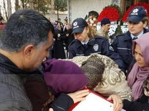 Şehit polis Hakan Tanrıkulu'nu 10 bin kişi uğurladı