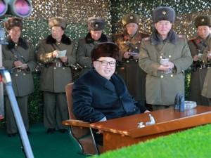Kuzey Kore lideri yine tatbikatta !