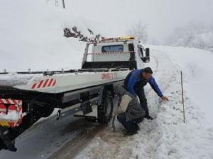 Uludağ'da 100 araç mahsur kaldı