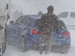 Bursa-İzmir karayolu 13 saat sonra açıldı