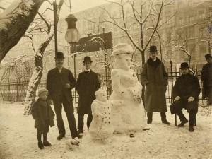 Tarihin ilk kardan adamları