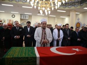 Osmanlı hanedan reisi son yolcuğuna uğurlandı