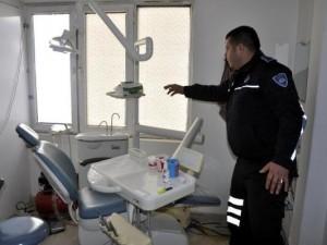 Suriyelilerin sağlık merkezine polis baskını