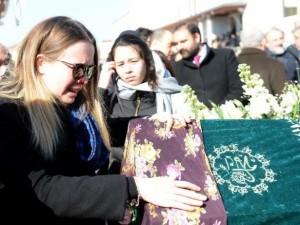 Saffet Sancaklı'nın eşi son yolculuğuna uğurlandı