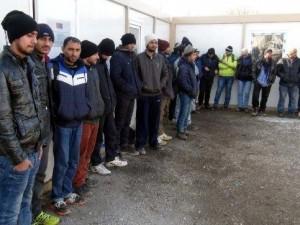 Yunanistan mültecileri zorla Türkiye'ye gönderdi