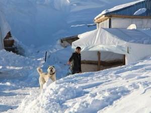 Kar yüzünden bir hafta evden çıkamadılar