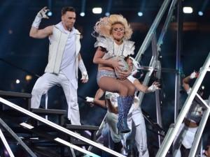 Lady Gaga'nın şovu 300 drone ile aydınlatıldı