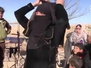 DEAŞ'ın geri çekildiği bölgelerde kutlama yapıldı