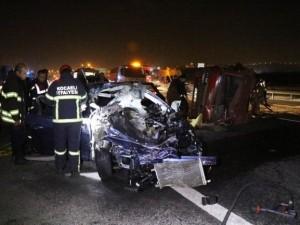 Alkollü sürücü 200 kilometre hızla dehşet saçtı