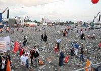 AK Parti mitinginden sonra şok eden görüntü !