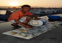 Balık Avı Yasağında Oltacılar Tezgah Açtı