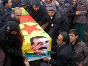 Abdullah Öcalan'lı PKK bayraklı cenaze !