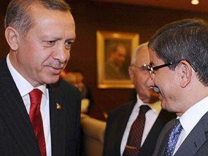 Neden Davutoğlu seçildi?