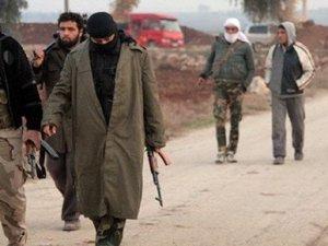 Kerry: ''Türkiye IŞİD'e aracı...''