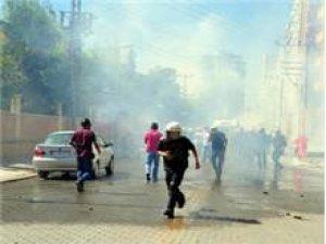 IŞİD protestosuna polis müdahalesi !