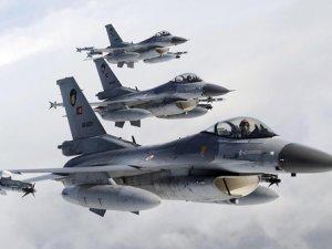 Türk F-16'ları İsveç'te