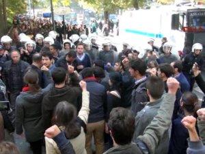 Ankara Üniversitesi karıştı ! Polis kampüse girdi