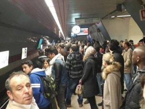Metroda intihar paniği
