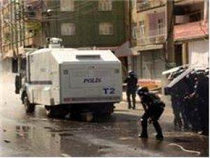 DİYARBAKIR'DA POLİSE EŞ ZAMANLI SALDIRI !