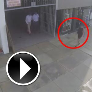 Laf attığı kadın annesi çıktı !