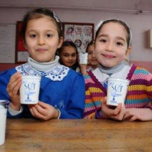 Öğrencilere süt ve kuru üzüm müjdesi
