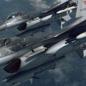 Türk F-16'larından Rus uçağına müdahale