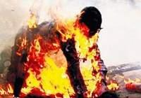 Diri diri insan yakıyorlar!