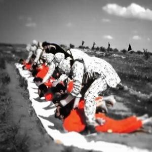 IŞİD, 8 Şii militanın kafasını böyle kesti !