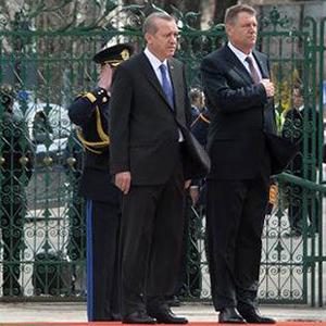 Erdoğan iptal etti ! Türkiye'ye dönüyor