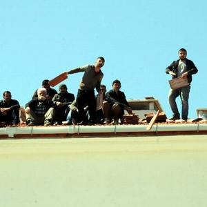 TOKİ işçileri ve esnaf eylem yaptı
