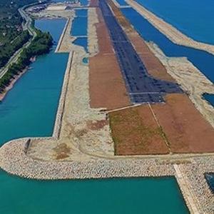 Deniz üstüne yapılan havalimanı açılıyor !